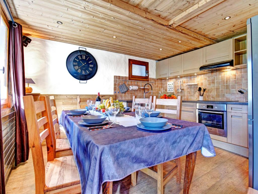 sofa ski school review best bed for daily use chalet le petit mazot thônes book your hotel with