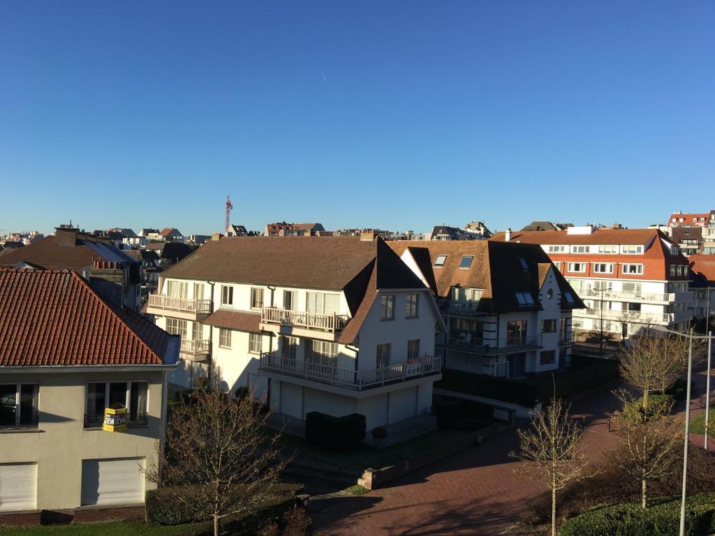 Luxe Appartement KnokkeHeist Belgium  Bookingcom