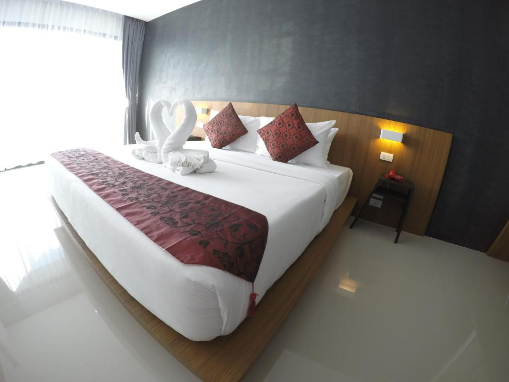 Phoenix Grand Hotel Patong Beach View Deal Guest Reviews