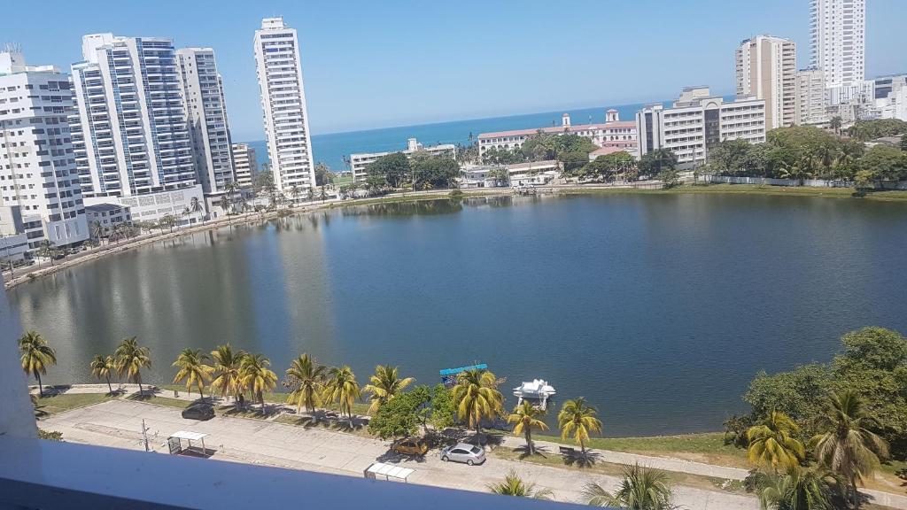 Apartamento Cartagena Laguito  Cartagena de Indias  book