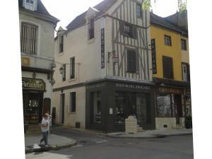 Les Chambres de Jean Marc Brocard B&B in Chablis