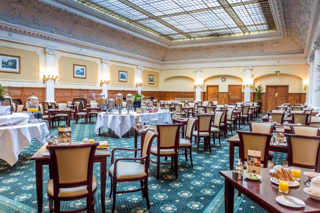 agatha sofa reviews deep seated corner uk old swan hotel - harrogate online booking viamichelin