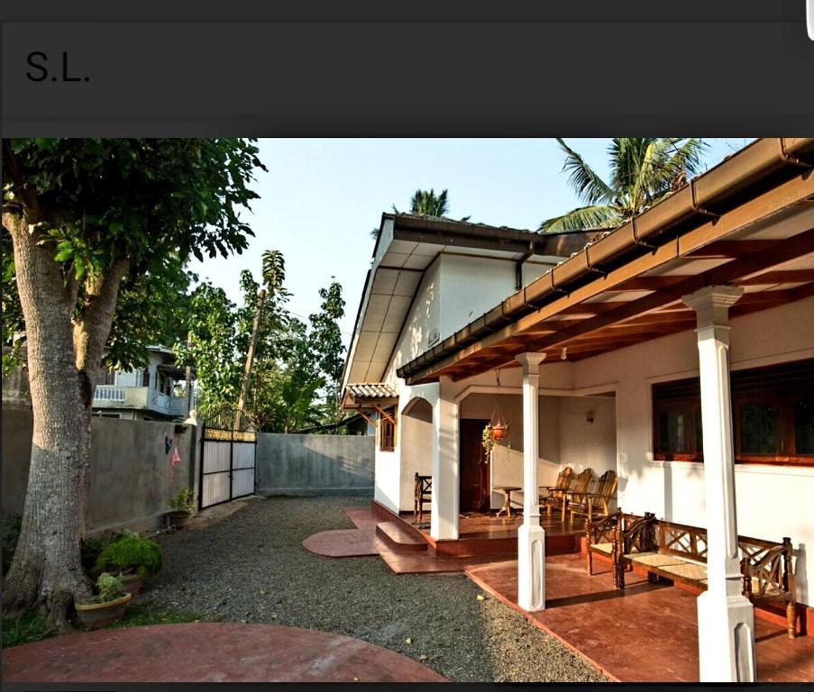 Anura Villa Holiday Home Hikkaduwa