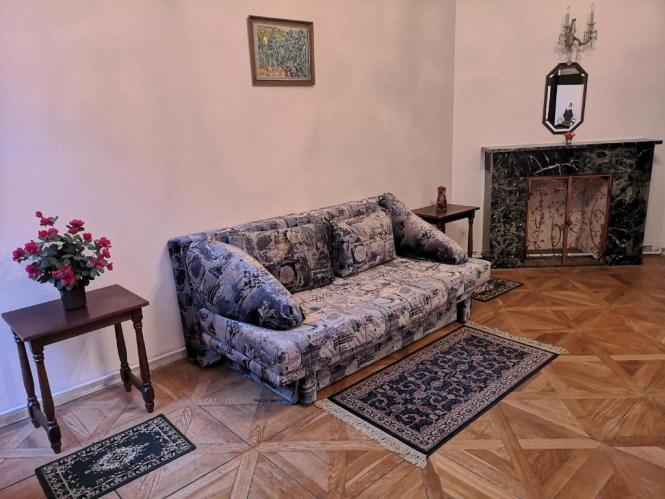 2 Rooms Apartment For 6 People 72m² Fully Furnished Kitchen Air Conditioning Ing Fireplace Prague