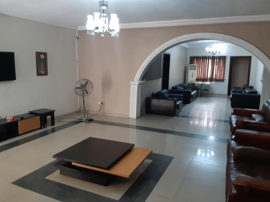 David Royal Suite 4 Bedroom Apartment Apartment Lagos