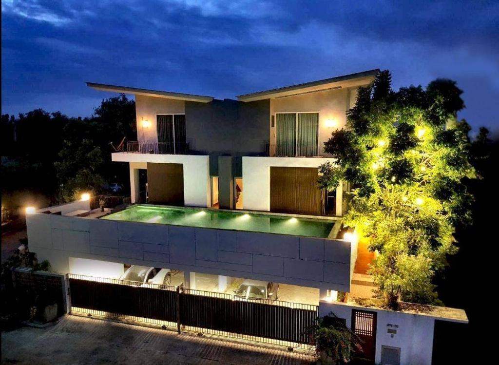 Pool Villa Donmuang 4 Bedrooms On Suite Villa Bangkok
