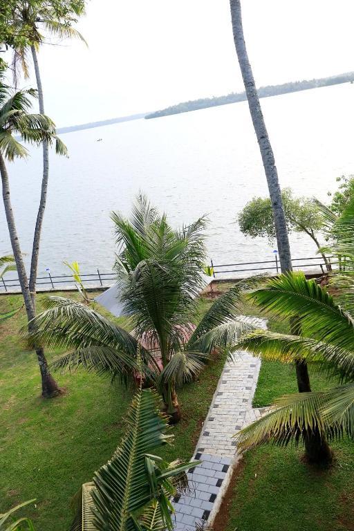 Lake N River Resort Munroe Island Holiday Residences Munroe