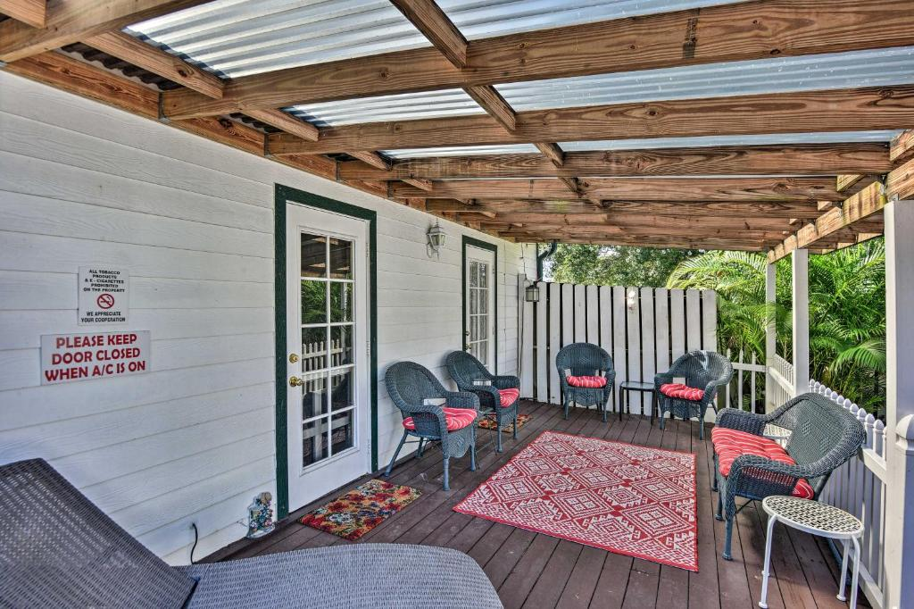 stuart apartment with furnished patio
