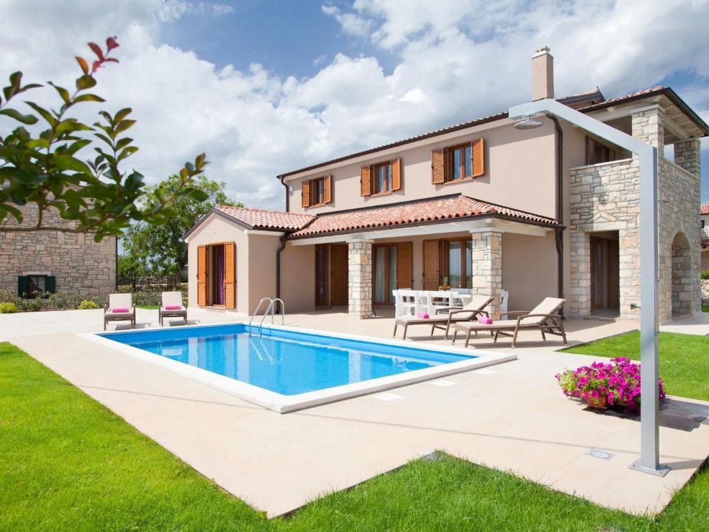 private covered patio villa