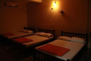 Anura Guest Inn Bed Breakfast Ella