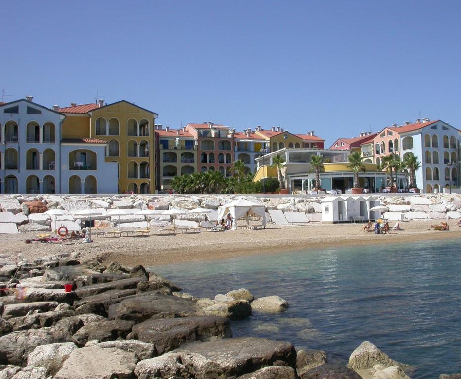 Zeus Apartments Italia Porto Recanati  Bookingcom