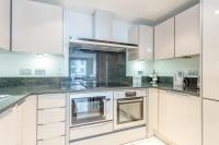 Modern 2 Bedroom Apartment with Balcony_Modern 2 Bedroom ...