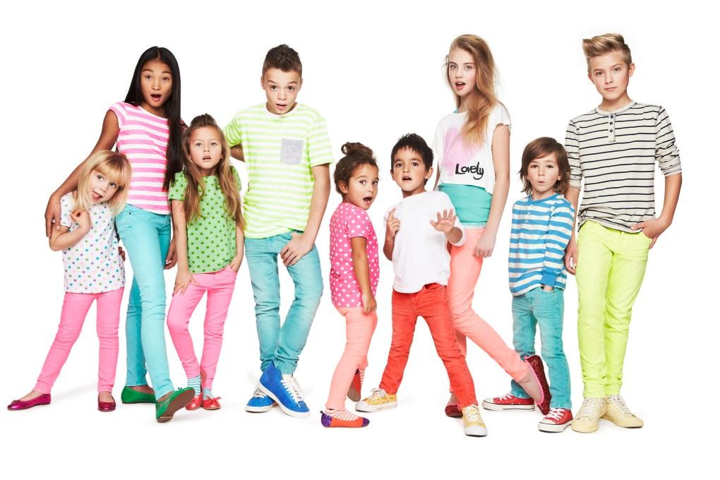 Kids wear, fashion Kids wear, Kids wear manufacturer, Kids wear importer Q2 Textilvertrieb. At Germany Frankfurt, doing business all over Europe from past 2 decade.