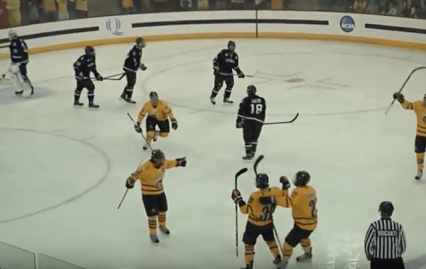 Quinnipiac men's ice hockey handles UConn 5-2, despite costly defensive loss