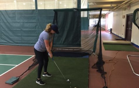 Quinnipiac women's golf using state of the art technology to practice indoors
