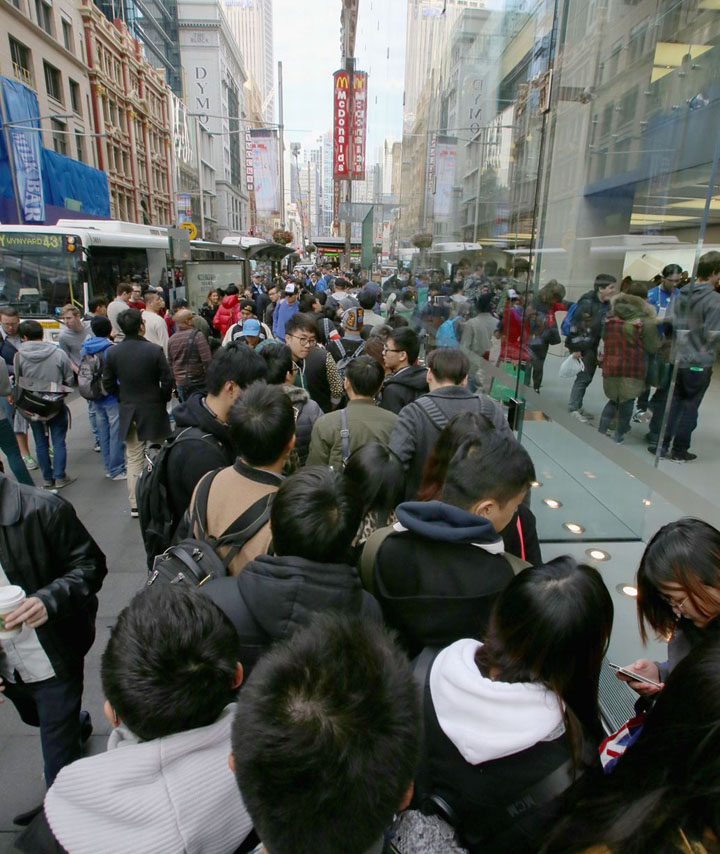fans wait in anticipation for the release of the-iPhone 6