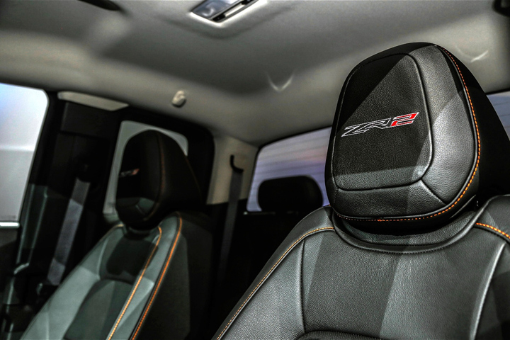 Chevrolet Colorado ZR2 Seats interior