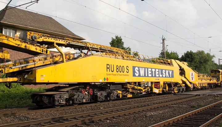 RU 800 S Railway Track Laying Machine 2