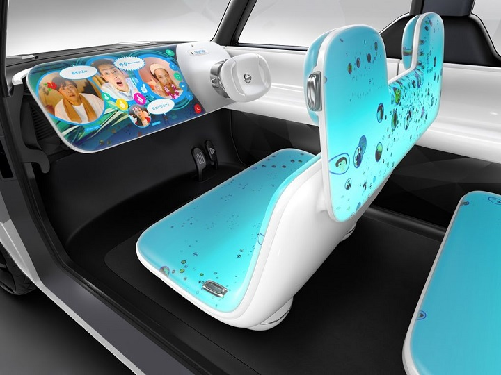 Nissan's Concept Electric Car Dashboard