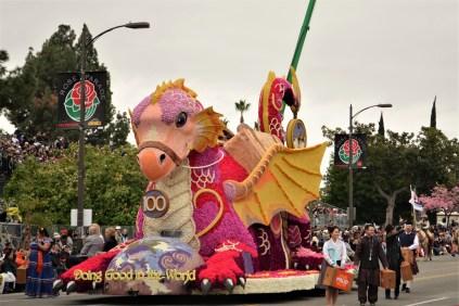 Un dragon aux couleurs d'une licorne? J'adore!