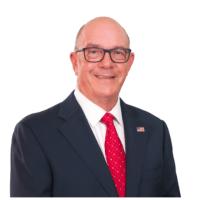Q SCOOP - Un ancien maire de Floride accusé de possession de pornographie enfantine.