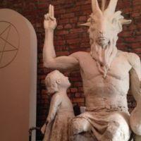 """Q SCOOP - Un temple satanique du Texas intente un procès pour exiger le """"droit religieux"""" de sacrifier des bébés par l'avortement."""