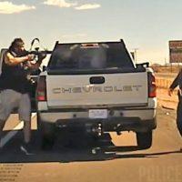 Q SCOOP - Vidéo Choc : Un policier du Nouveau-Mexique lors d'un contrôle routier.