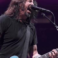 Q SCOOP - Le concert des Foo Fighters, réservé aux vaccinés, est annulé après que le membre entièrement vacciné a contracté la COVID..