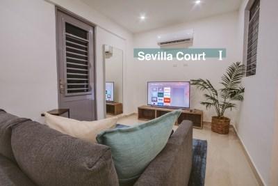 SevillaCourt1