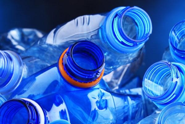 Wasserflaschen-still