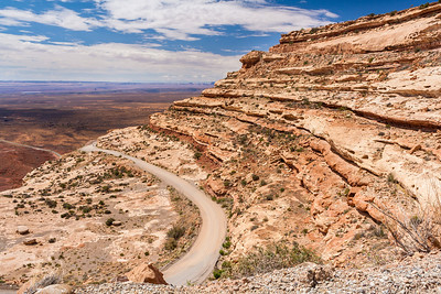Moki Dugway up Cedar Mesa, Utah