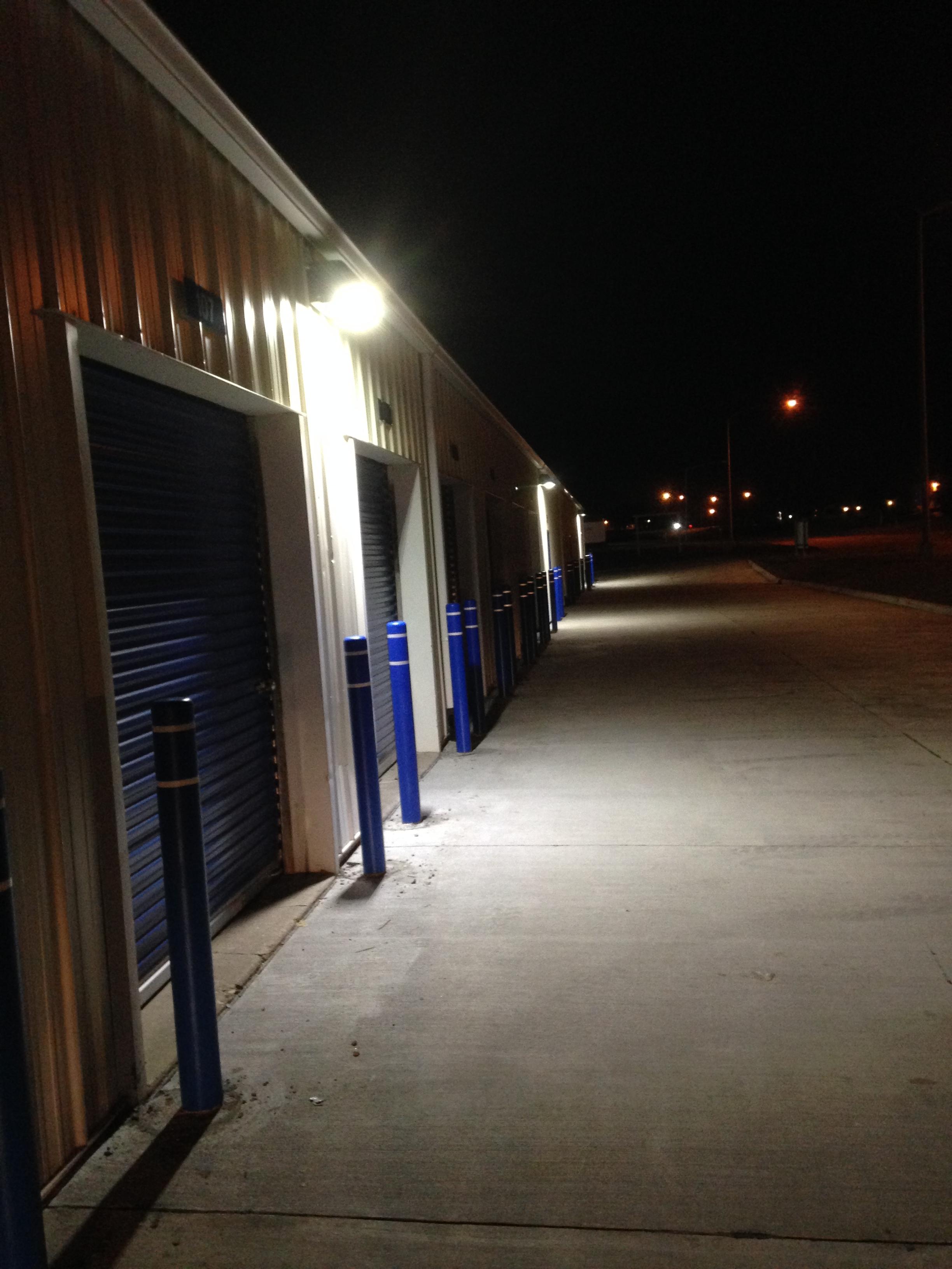 Large Garage Space 24 hour selfstorage in Davenport