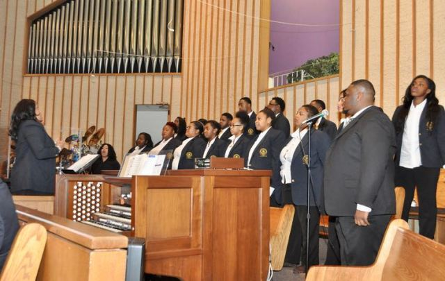 Members of the JCSU choir sings during Sunday worship service at First Baptist Church-West, March 12, 2017. (Qcitymetro)