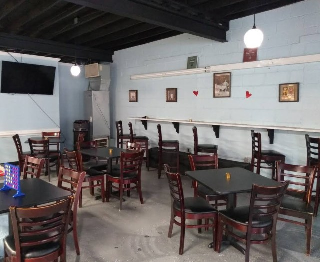 Queens-Coffee-Bar-interior
