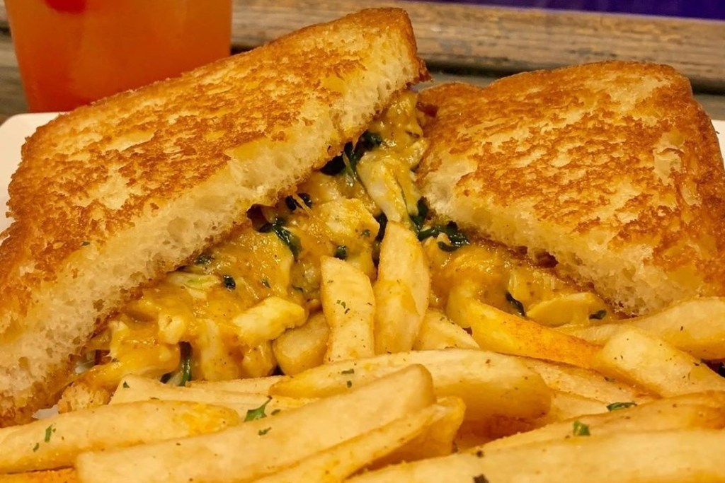 Stats-restaurant-crab-grilled-cheese