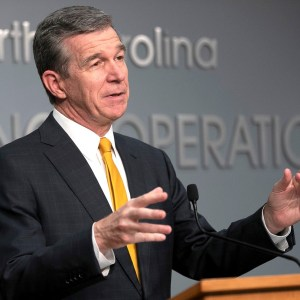 Roy-Cooper-press-conference-111020