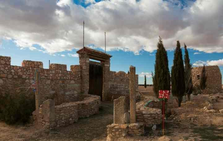 Entrata al tempio Gaut, unico dell' odinismo in Spagna