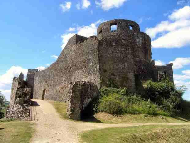 Rovine del Castello di Rhys Gryg oggi, impulsore della scuola dei Medici di Myddfai