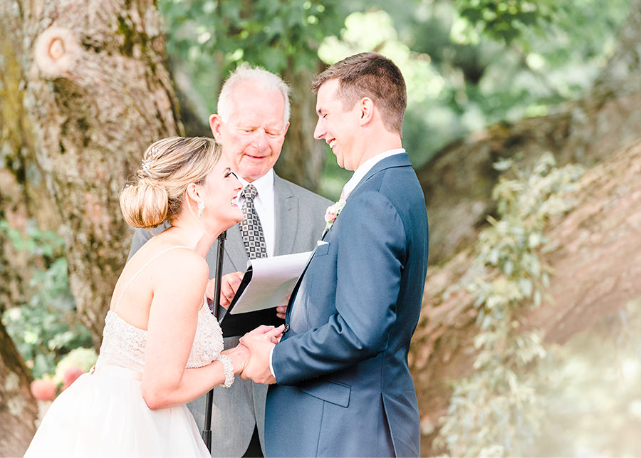 exciting summer wedding The Red Barn at Outlook Farm South Berwick ME Q Hegarty photography weddings & portraits
