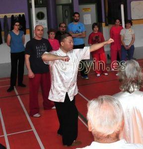 Zhang Jian enseñando Daoyin Yangsheng Gong en España
