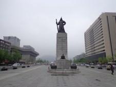 Patung Admiral Yi shun shin