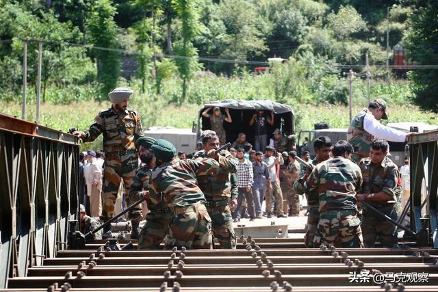 """满载排水量10800吨,96个垂直发射单元,""""摩耶号""""可敌055大驱?"""