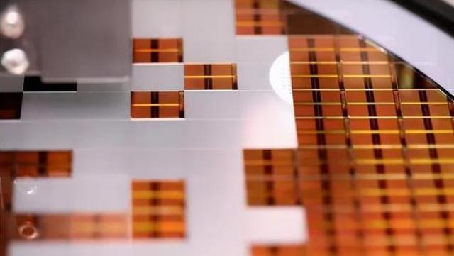 法國核潛艇燒毀,切除損壞結構後,竟然進行「換頭術」的修復工作