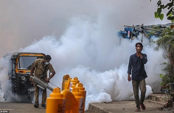 一腔热血都喂了新冠!印度恐将全速倒退,多年的努力全都白费了