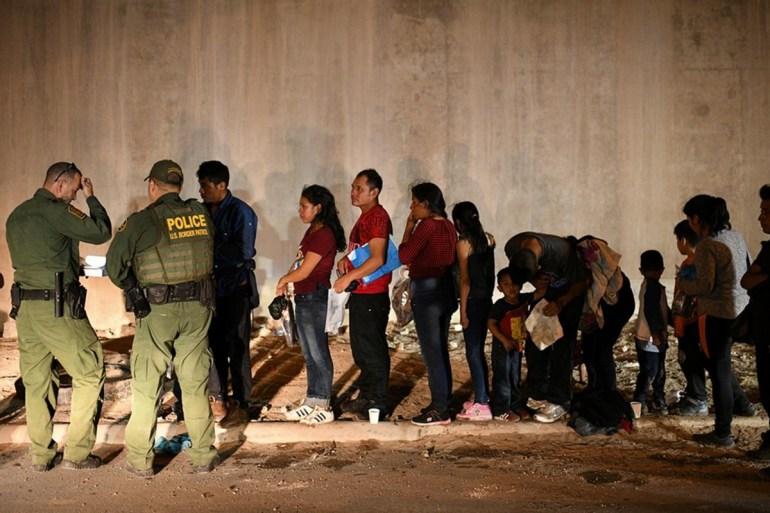 战争前奏?60艘舰艇在海上隔空对峙!普京与拜登谈得如何很关键