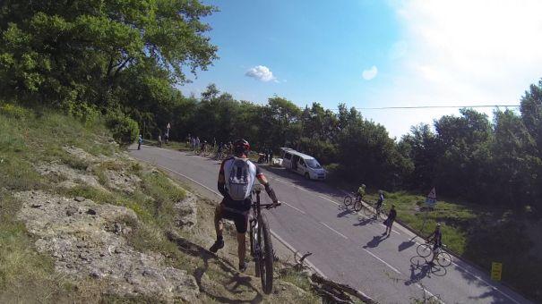 MTB biker caminant