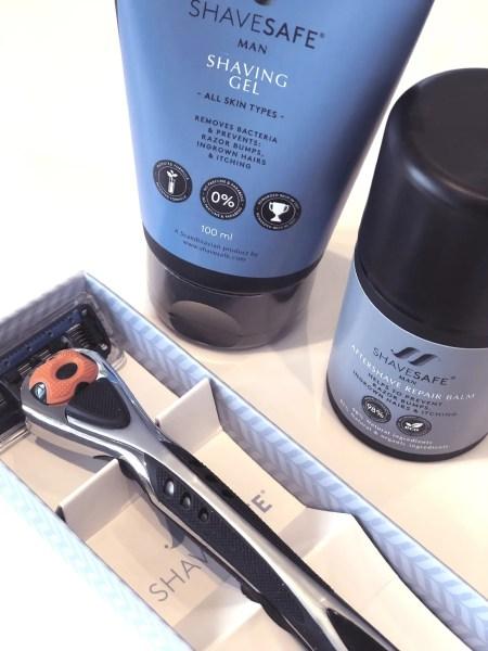 Test af ShaveSafe barbering til mænd.