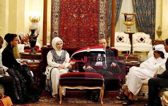 "بالصور:أردوغان يشرب الخمر مع""حمد""وموزه""يّسكر""يردد""بوتين.بوتين"