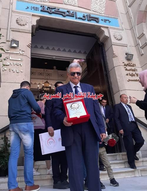 بالصور: تكريم الدكتور / محمد كمال سيف النصر(أستاذ المسالك البولية) طبيباً مثالياً