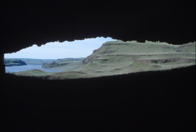 View out of the Marmes Rockshelter site.